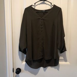 Tops - Gorgeous button up top!!